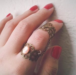 Victorian Lady Cameo Ring Armor Slave Rings